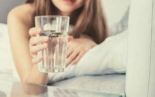 Сколько воды нужно выпивать в день и почему